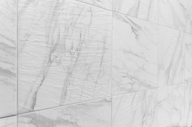白いタイルのセラミック壁