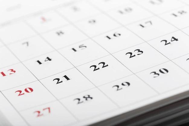 Страницы календаря закрывают концепцию рабочего времени