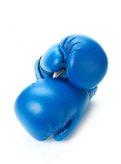ボクシンググローブは白にクローズアップ