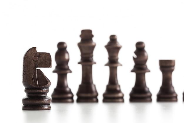 白い背景で隔離のチェス図