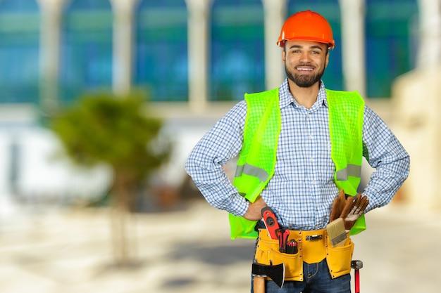 建設現場の建設労働者