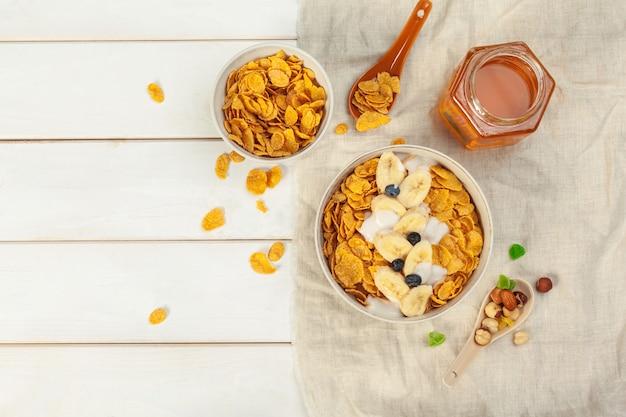 フレークと健康的な朝食