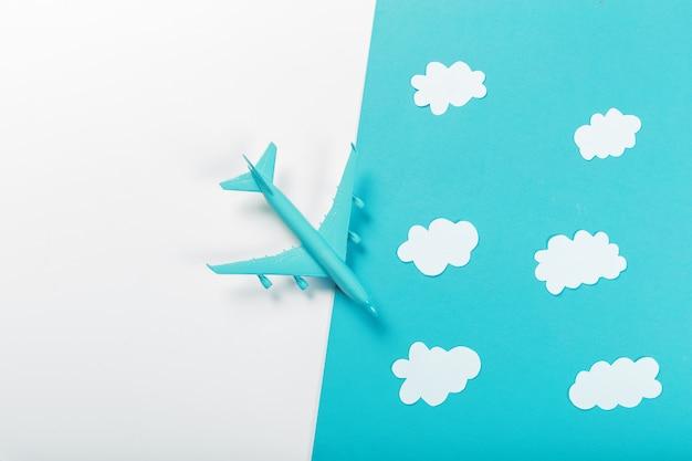 飛行機で旅行する