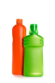 Чистящий продукт пластиковый контейнер для дома, чистый на белом фоне