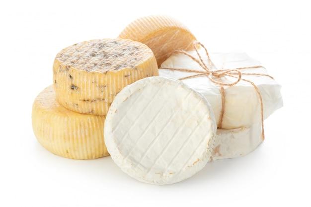 白で隔離されるミックスチーズ