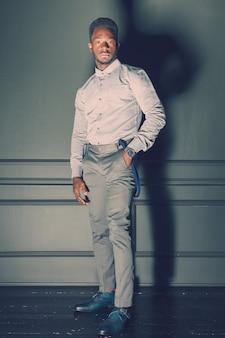 黒人男性のファッションモデル