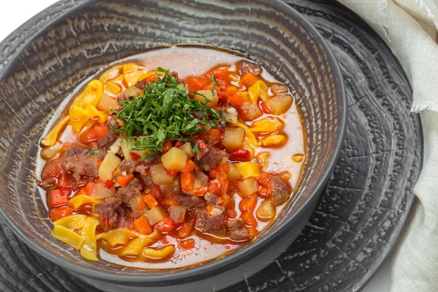 肉入り野菜スープのプレート