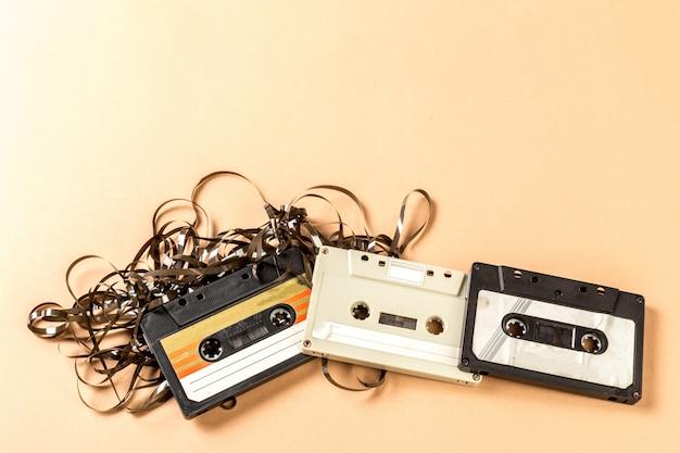 古いオーディオカセットテープ
