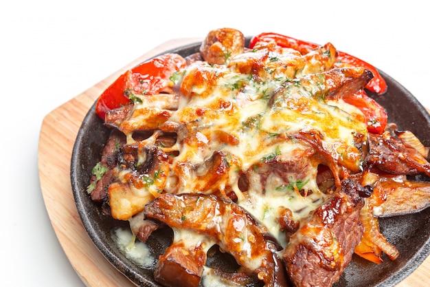 フライパンで野菜と鶏肉を分離