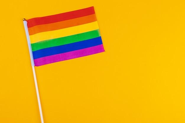 同性愛者-虹色の旗のクローズアップ