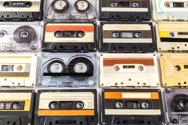 ビンテージカセットテープ分離白表面