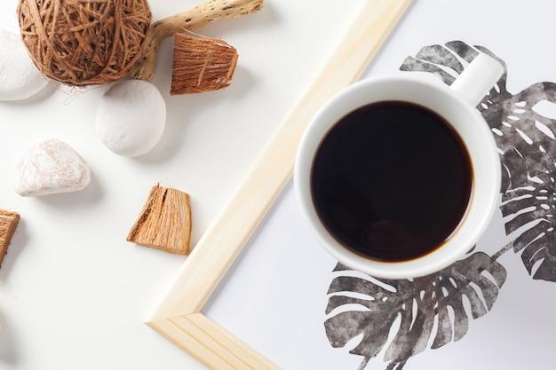 白のコーヒーカップ