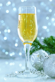 クリスマスのお祝いにシャンパン