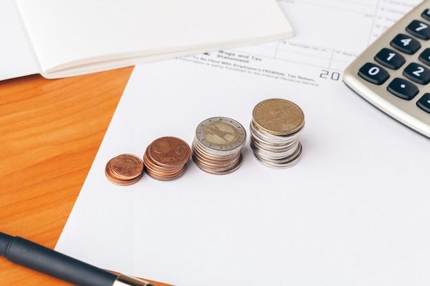 オフィスでの会計。ビジネスファイナンスと会計のコンセプト