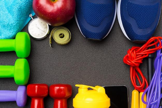ジム機器を備えたスポーツフィットネスの概念