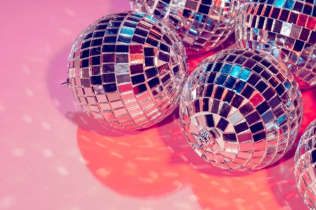 ピンクのパーティーの装飾のためのディスコボール
