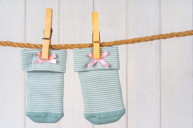 物干し用ロープのベビーソックス、ベビー服の洗濯