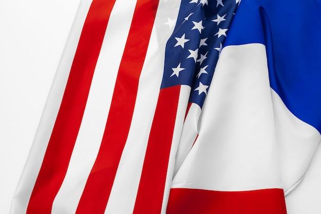 アメリカ合衆国の国旗とフランスの国旗