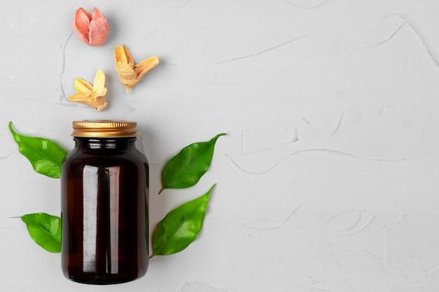 葉のハーブと自然化粧品スキンケア空白ボトル包装