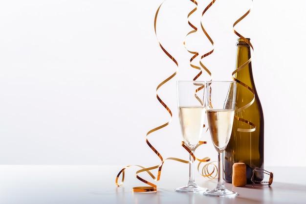Новый год празднование фон с шампанским