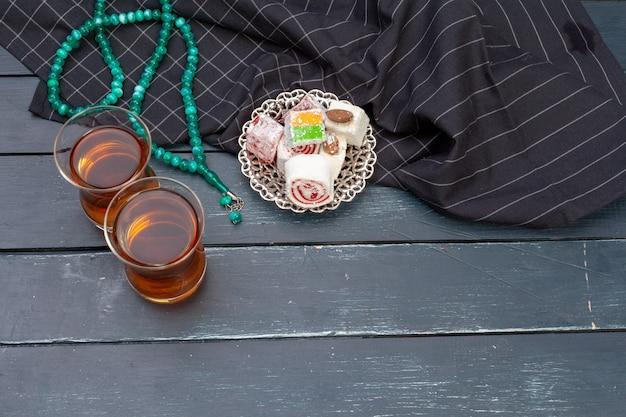 Чаша из традиционных турецких лукум крупным планом