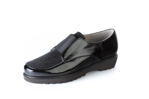 分離されたファッショナブルな女性靴