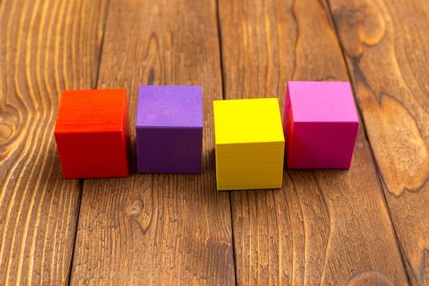 おもちゃの木製ブロック