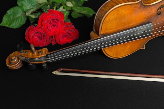 ヴァイオリンとバラ