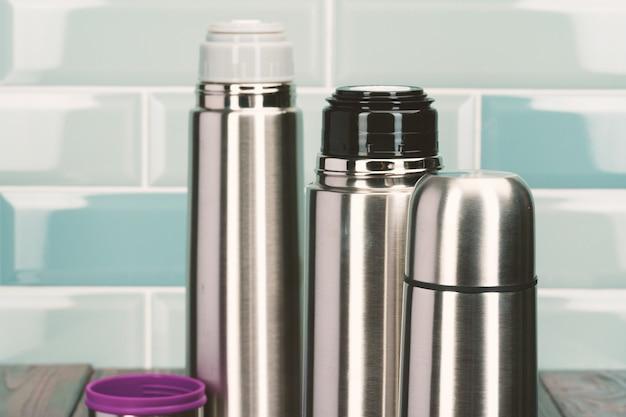 キッチンのアルミ金属魔法瓶