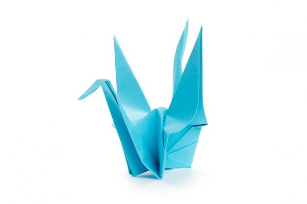 Оригами журавль на белом