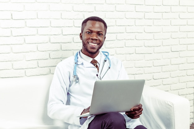Врач врач врач человек