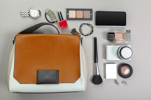 Вид на женскую сумку