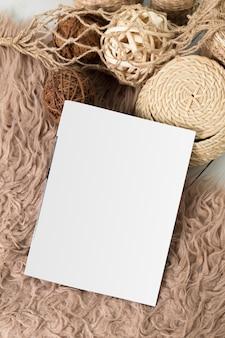雑誌ページのモックアップ内の空白の白
