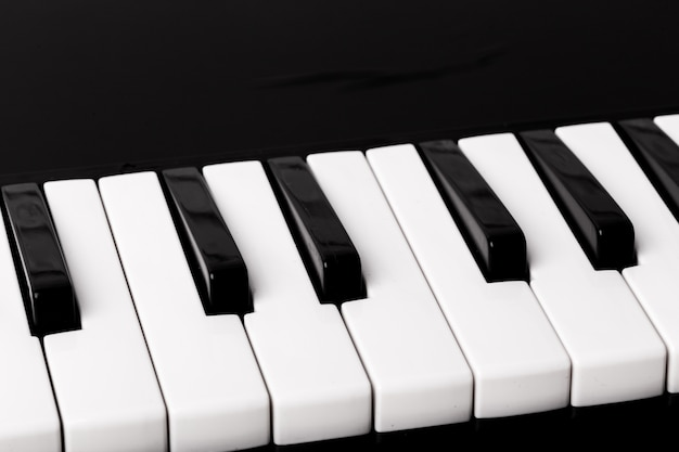 ピアノキーボードのクローズアップ