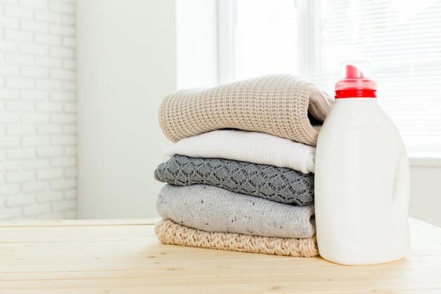 洗い流し液を使用した純粋な衣服