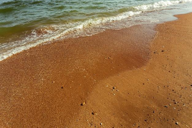 海の小さな波