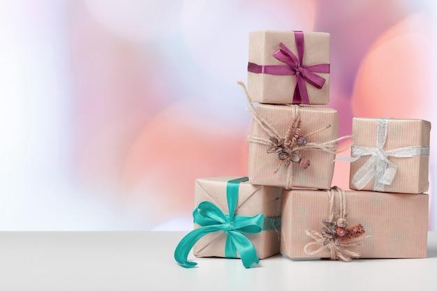 ギフトボックスまたは誕生日やクリスマスのプレゼント