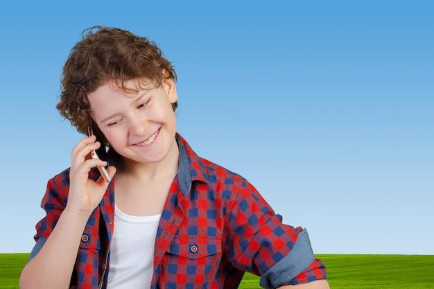 携帯や携帯電話で十代の少年