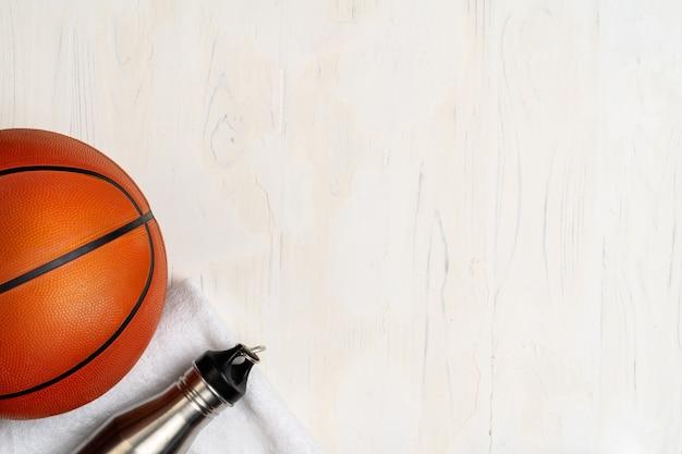 バスケットボールの試合用ボール、上からの眺め