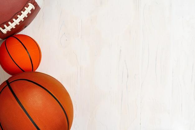 サッカー、バスケットボール、ラグビーの背景のボールのセット
