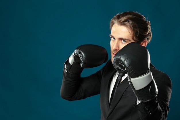 ボクシンググローブの実業家
