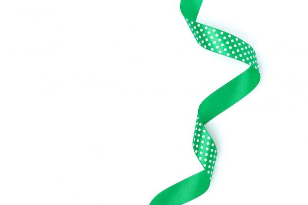 Зеленая фигурная лента