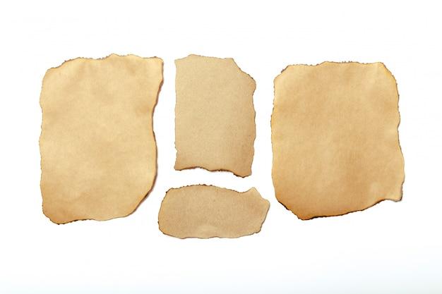 茶色の破れた紙片