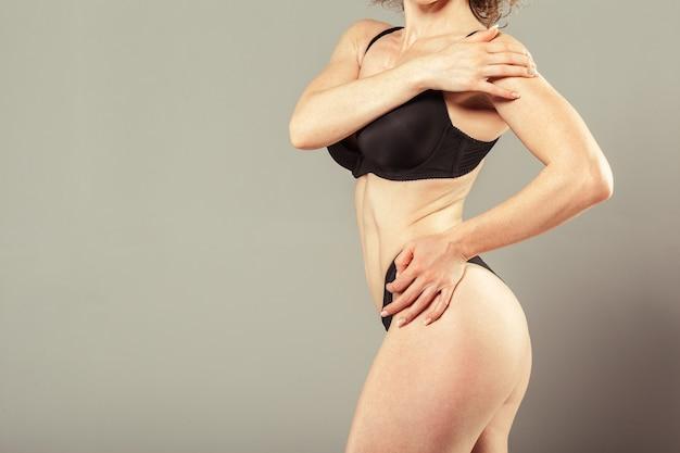 Красивое стройное женское тело
