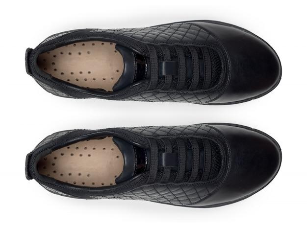 Обувь на белом фоне. вид сверху.