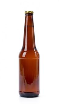 白い背景の上のビールのボトル