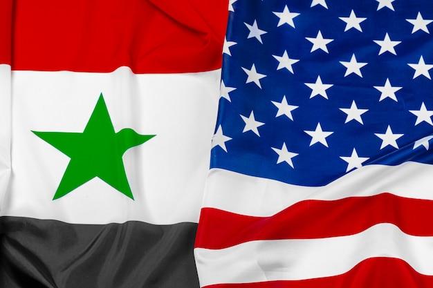Флаг сирии и флаг соединенных штатов америки вместе