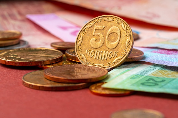 ウクライナのお金。新しいものの種類と古い硬貨や紙幣の概念の引き出し