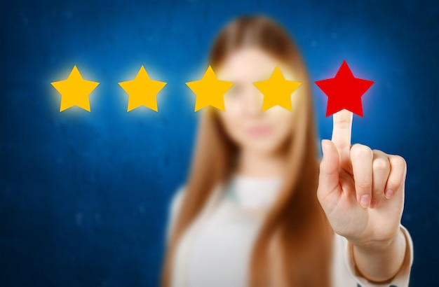 Женский рейтинг с нарисованными от руки звездами