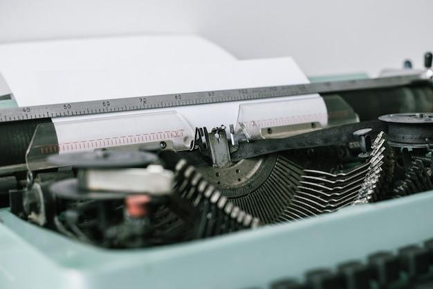 アンティークタイプライター。ヴィンテージタイプライターマシン